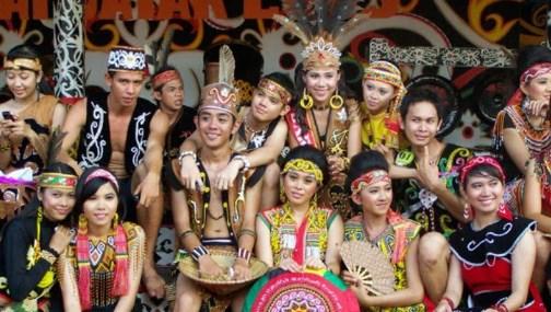 Suku Dayak dari Kalimantan Barat