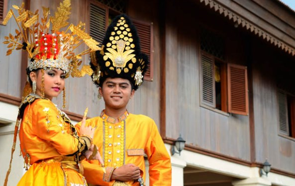 Suku Gorontalo dari Gorontalo