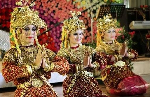 upacara adat Sumatera Selatan